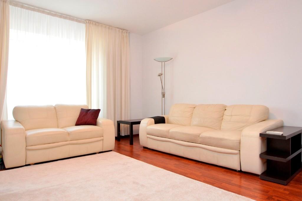Apartament 3 Camere de Vanzare Calea Calarasilor Universitatea Hyperion